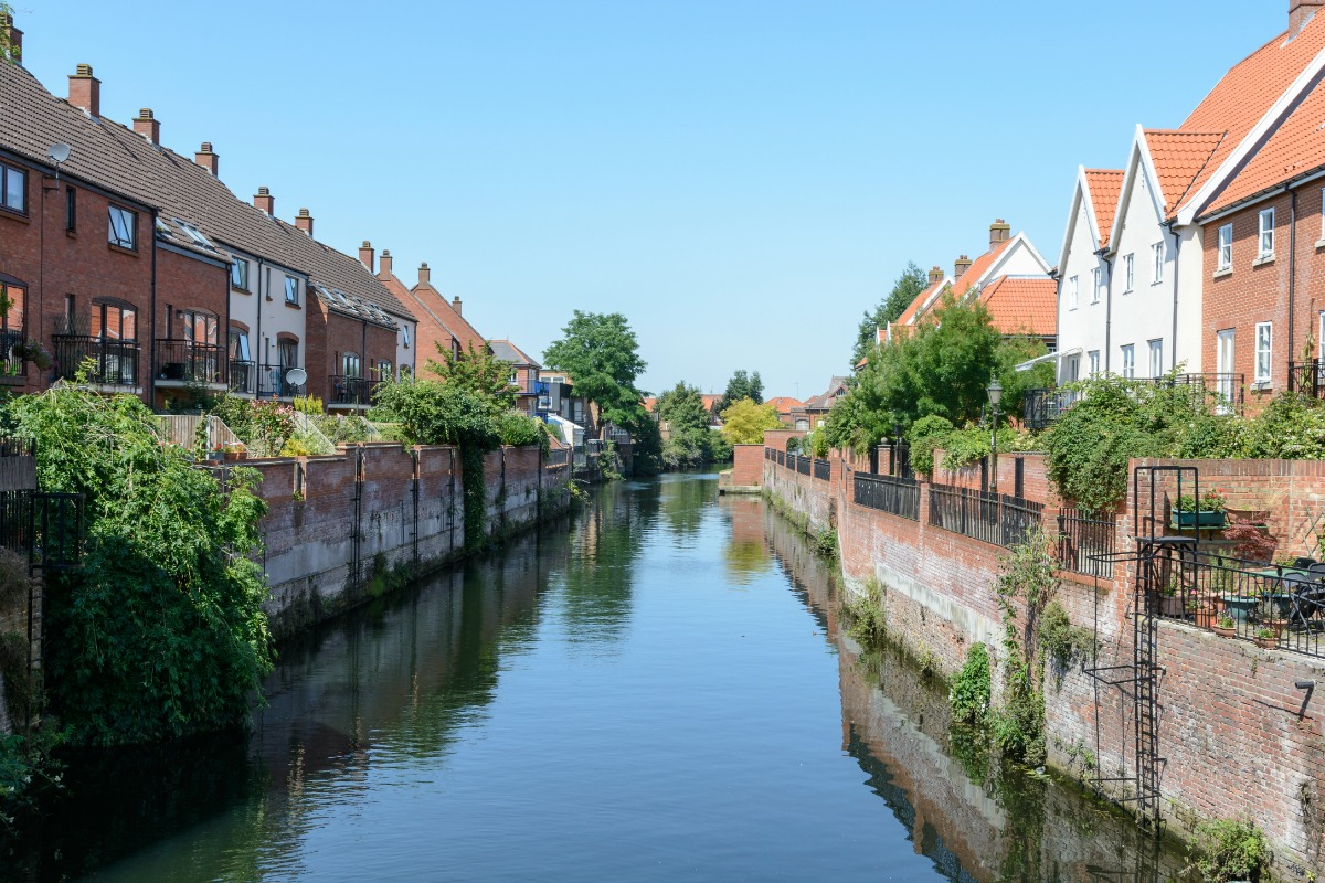 Photo of houses along the River Wensum in Norwich
